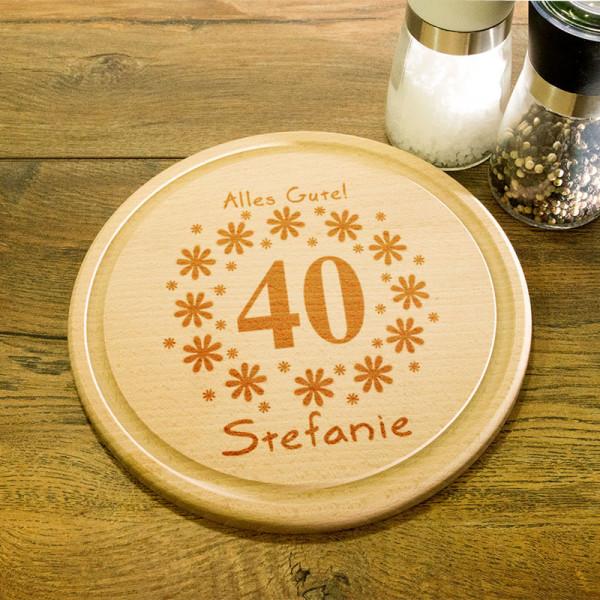 Rundes Frühstücksbrett aus Holz mit Gravur zum 40.