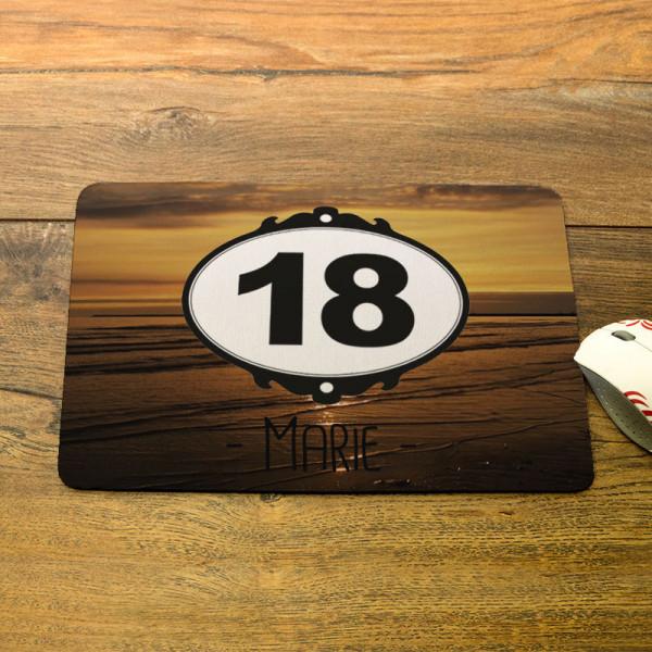 Personalisiertes Mousepad mit Wunschmotiv zum 18.
