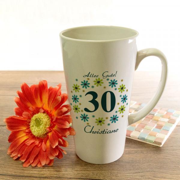 Große Tasse Latte mit Wunschmotiv zum 30.