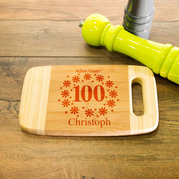 Schneidebrett aus Holz mit Griff mit Wunschmotiv zum 100.