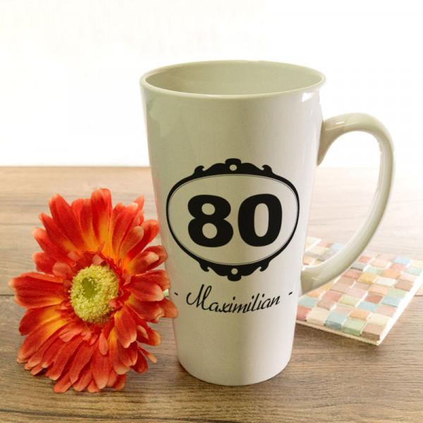 Große Tasse Latte mit Wunschmotiv zum 80.