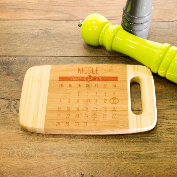 Personalisiertes Frühstücksbrett aus Holz mit Griff zum Muttertag