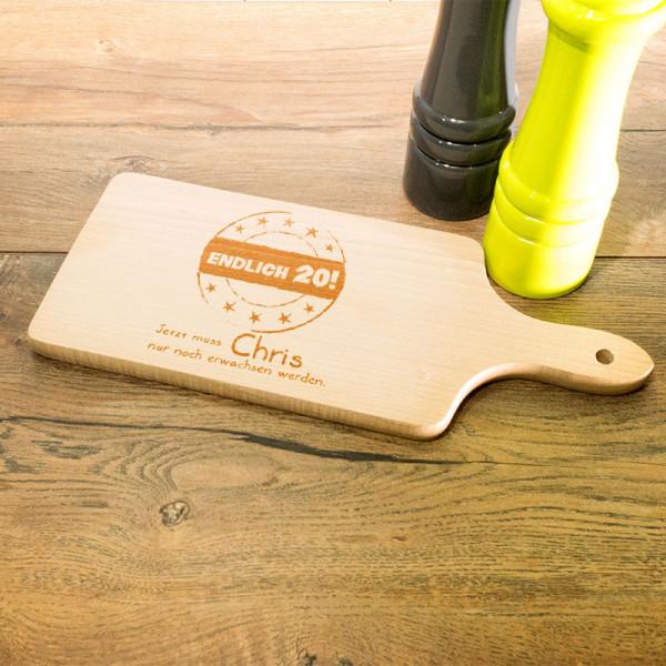 Personalisiertes Schneidebrett aus Holz mit Griff zum 20.