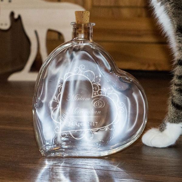Große Herzflasche mit Ihren Wunschnamen graviert